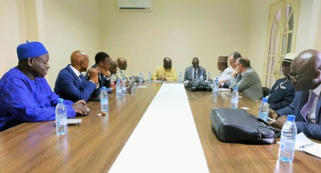 Meeting between Co-Chairs Abdoulaye Sène and Patrick Lavarde and local elected officials.